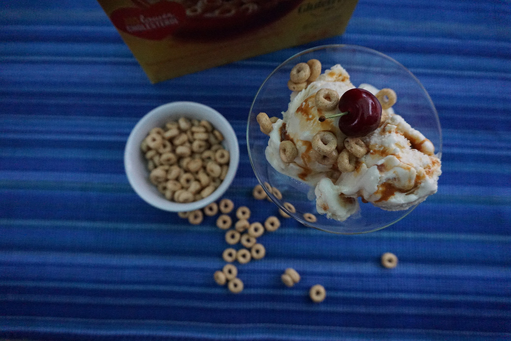 helado con honey nut cheerios