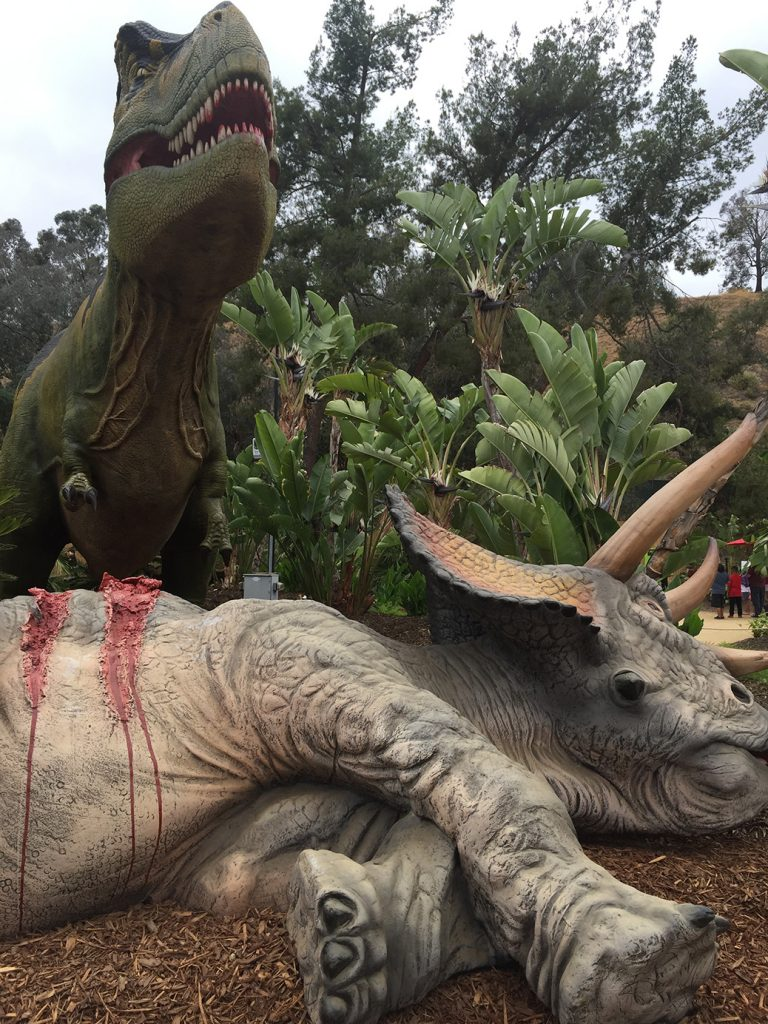 Dinosaurios vivitos y coleando en 'Dinosaurs: Unextinct at the L.A. Zoo'