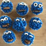 Para celebrar The Muppets en el Hollywood Bowl, ¡cupcakes de Cookie Monster!