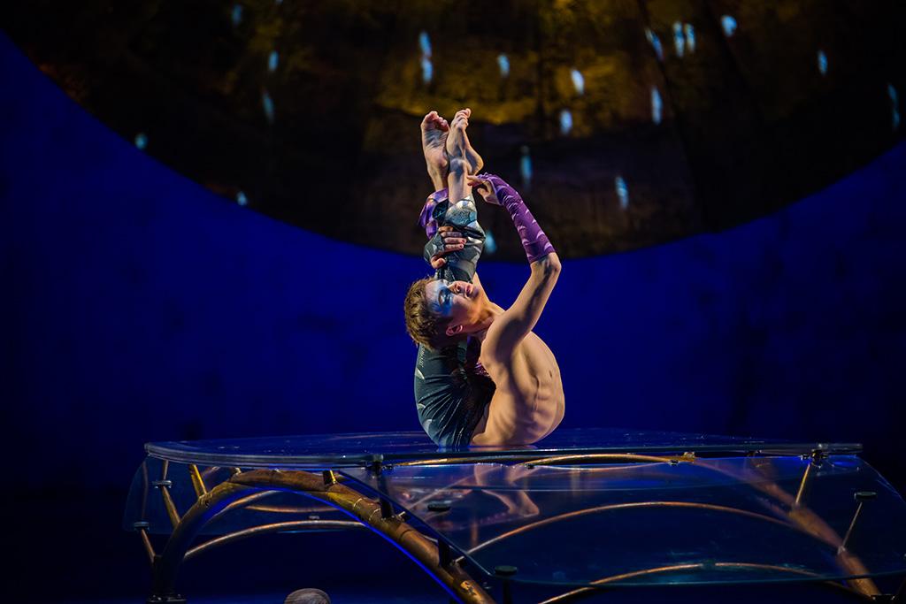 Contorsionista de Luzia, Cirque du Soleill